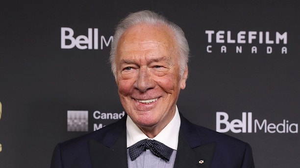 Veteran actor Christopher Plummer poses backstage with his lifetime achievement award during the Canadian Screen Awards in Toronto, Ontario, Canada March 12, 2017.  REUTERS/Fred Thornhill - HT1ED3D03WTAM