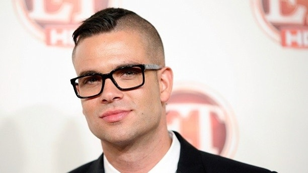 U.S. actor Mark Salling arrives at the Entertainment Tonight Emmy Party in Los Angeles, California, U.S. September 19, 2011. REUTERS/Jason Redmond/File Photo     TPX IMAGES OF THE DAY      - S1AETGOIHOAB