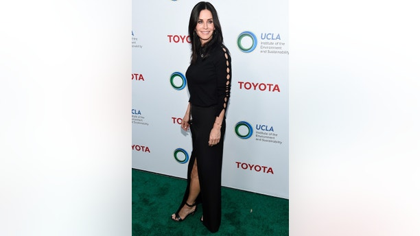 "Actress Courteney Cox arrives at the UCLA Institute of the Environment and Sustainability's ""Innovators for a Healthy Planet"" gala on Monday, March 13, 2017, in Beverly Hills, Calif. (Photo by Chris Pizzello/Invision/AP)"