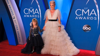 Pink and her daughter Willow at the 51st Country Music Association Awards in Nashville, Tennessee on Nov. 8, 2017.