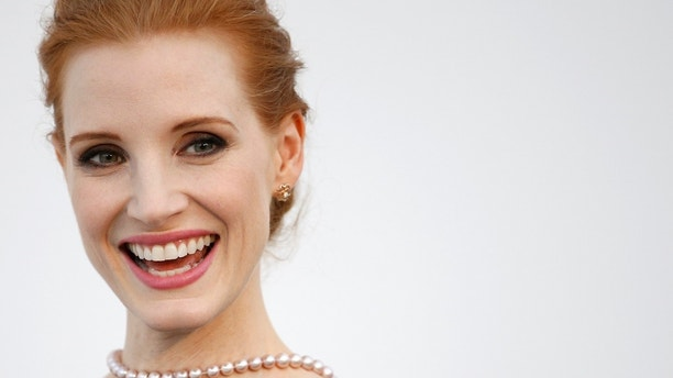 70th Cannes Film Festival - The amfAR's Cinema Against AIDS 2017 event - Photocall Arrivals - Antibes, France. 25/05/2017. Jury member actress Jessica Chastain poses. Picture taken May 25, 2017. REUTERS/Stephane Mahe - RC123682D310
