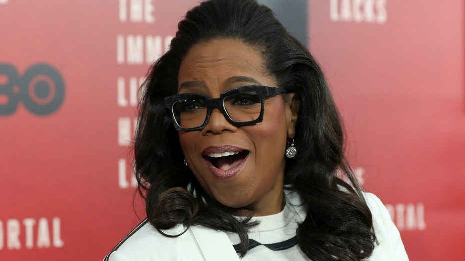 "Oprah Winfrey  smiles at the premiere of ""The Immortal Life of Henrietta Lacks"" in New York, U.S. April 18, 2017. REUTERS/Shannon Stapleton - RC1C75F587C0"