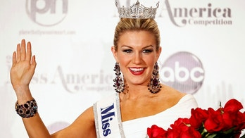 Miss America 2013 Mallory Hytes Hagan, 23, Miss New York, poses during a news conference after winning the Miss America Pageant in Las Vegas January 12, 2013. REUTERS/Steve Marcus (UNITED STATES - Tags: ENTERTAINMENT) - GM1E91D10VS01