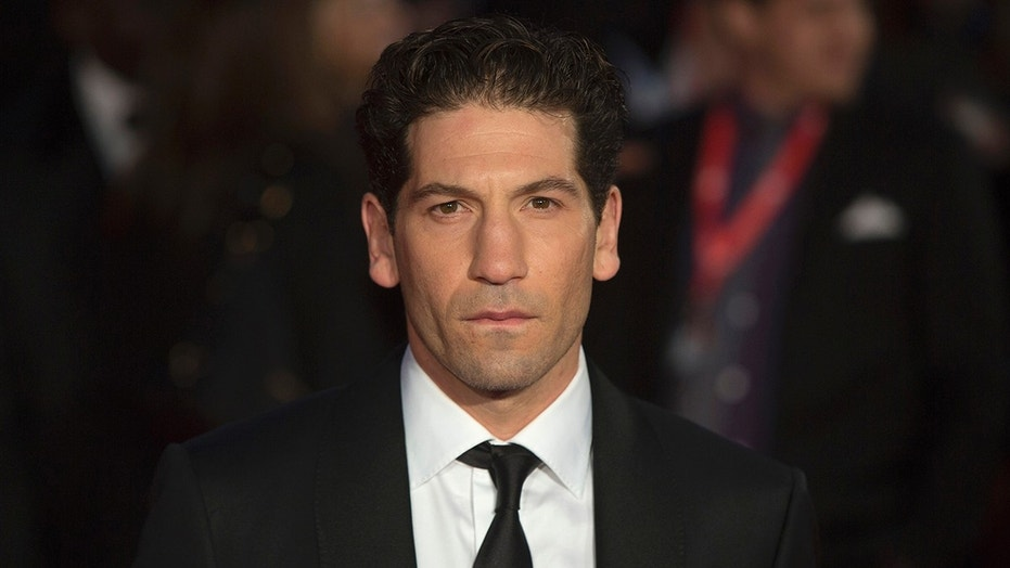 "U.S. actor Jon Bernthal poses before a gala screening of his film  ""Fury"" in London October 19, 2014. REUTERS/Neil Hall (BRITAIN - Tags: ENTERTAINMENT) - GM1EAAK08Z101"