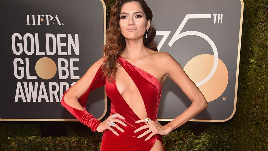 Here's who didn't wear black to the Golden Globes