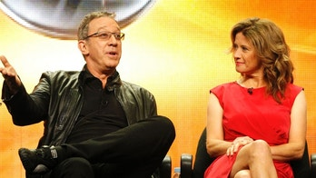 "Cast members Tim Allen and Nancy Travis attend the ABC session for ""Last Man Standing"" during the 2011 Summer Television Critics Association Cable Press Tour in Beverly Hills, California August 8, 2011. REUTERS/Mario Anzuoni (UNITED STATES - Tags: ENTERTAINMENT) - RTR2PQDA"