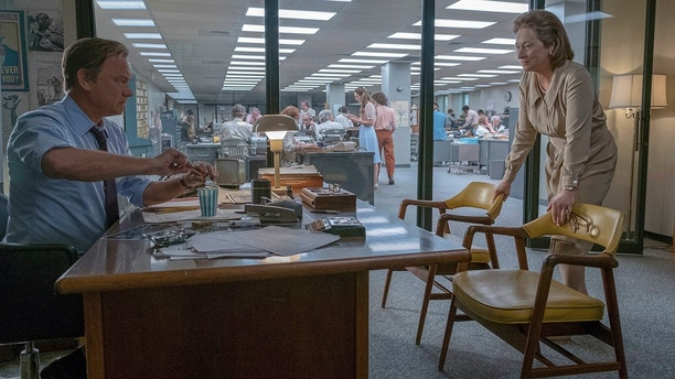 """In this image released by 20th Century Fox, Tom Hanks portrays Ben Bradlee, left, and Meryl Streep portrays Katharine Graham in a scene from """"The Post."""""""