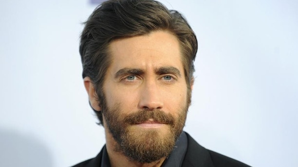 Alas%2C%20yet%20another%20older%20celebrity%20breaks%20Swift's%20heart.%20This%20time%2C%20leave%20it%20to%20Jake%20Gyllenhaal.%20It's%20rumored%20that%20many%20of%20the%20songs%20featured%20on%20her%20new%20album%20%26quot%3BRed%26quot%3B%20are%20inspired%20by%20the%20split%2C%20especially%20%26quot%3BAll%20Too%20Well.%26quot%3B%0APHOTOS%3A%20Jake%20Gyllenhaal's%20Many%20Exes%0A