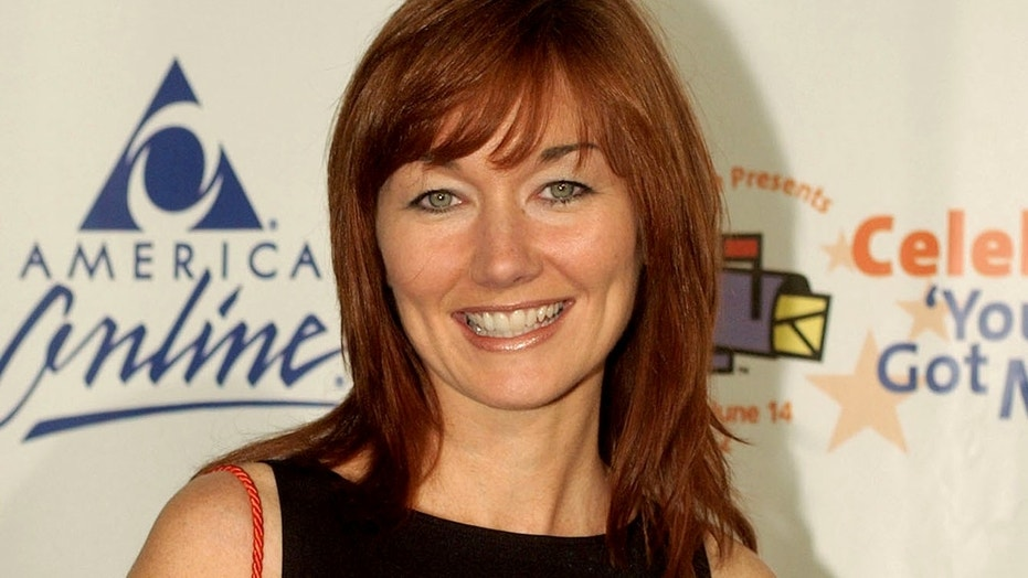 Grammy-winning country singer Lari White died on Jan. 23 at the age of 52.
