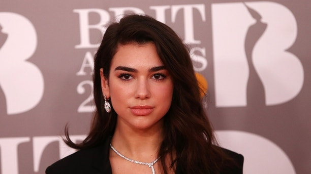 Dua Lipa arrives for the Brit Awards at the O2 Arena in London, Britain, February 22, 2017.  REUTERS/Neil Hall EDITORIAL USE ONLY. FOR EDITORIAL USE ONLY. NOT FOR SALE FOR MARKETING OR ADVERTISING CAMPAIGNS - LR1ED2M1DLVVV