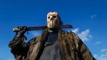 James Forder poses as Jason, from Friday the 13th, outside the MCM Comic Con at the Excel Centre in East London, October 25, 2014. REUTERS/Andrew Winning (BRITAIN - Tags: SOCIETY ENTERTAINMENT) - GM1EAAQ034Q01