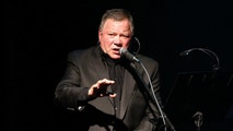 Actor William Shatner performs at The Canyon Club in Agoura, California October 24, 2013. REUTERS/Mario Anzuoni  (UNITED STATES - Tags: ENTERTAINMENT) - RTX14NG8