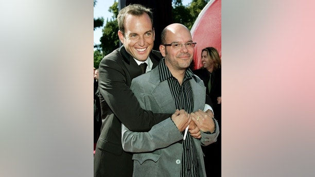 "Actors Will Arnett (L) and David Cross, who both star in the Fox series ""Arrested Development"" arrive at the 56th annual Primetime Emmy Awards in Los Angeles, September 19, 2004. ""Arrested Development"" is nominated for best comedy series. REUTERS/Lucy Nicholson  JM/SV - RP5DRIBZSKAA"