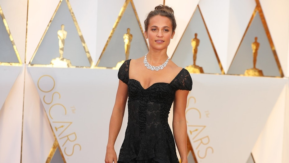 Alicia Vikander at the 89th Academy Awards ceremony.