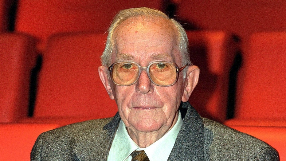 Director Lewis Gilbert died at age 97.