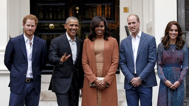 U.S. President Barack Obama and first lady Michelle Obama pose with Britain's Prince William, his wife Catherine, Duchess of Cambridge, and Prince Harry, upon arrival for dinner at Kensington Palace in London, Britain April 22, 2016. REUTERS/Kevin Lamarque/File photo - S1BETBJWYRAA