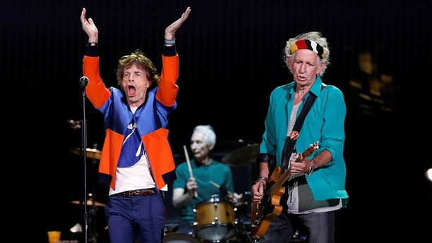Mick Jagger (L), Keith Richards (R) and Charlie Watts of The Rolling Stones perform during Desert Trip music festival at Empire Polo Club in Indio, California U.S., October 7, 2016.   REUTERS/Mario Anzuoni - S1BEUFSRYLAA