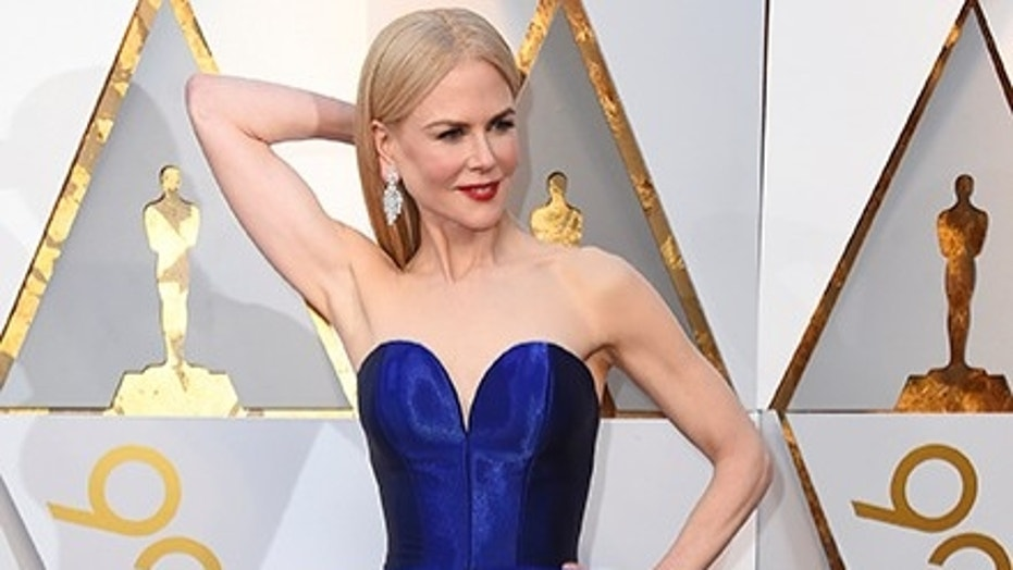 Nicole Kidman shocked a group full of tourists on a Hollywood star tour as she made her way to the Oscars Sunday.