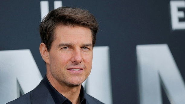 """Actor Tom Cruise arrives for the premiere of the film """"The Mummy"""" in New York, U.S., June 6, 2017.  REUTERS/Lucas Jackson - RC1A8C3CA7E0"""