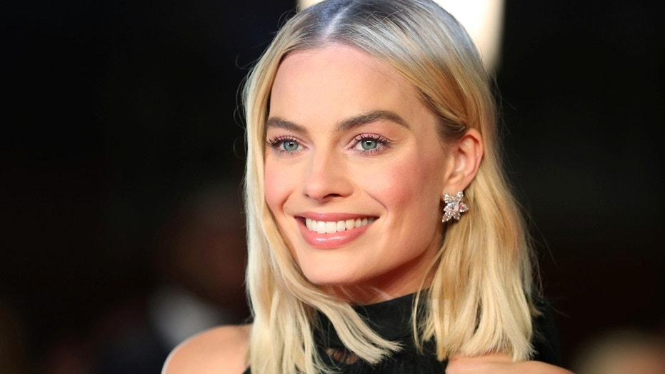 Margot Robbie arrives at the British Academy of Film and Television Awards (BAFTA) at the Royal Albert Hall in London, Britain, February 18, 2018.