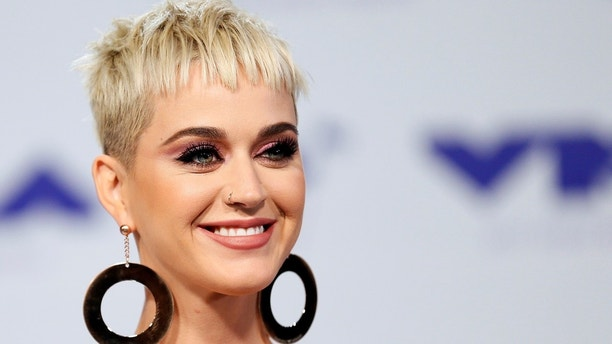 2017 MTV Video Music Awards – Arrivals – Inglewood, California, U.S., 27/08/2017 - Katy Perry. REUTERS/Danny Moloshok - HP1ED8R1U4AE5