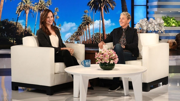 Jennifer Garner Gives Ellen DeGeneres Her Unfiltered Thoughts on Her Oscars Reaction