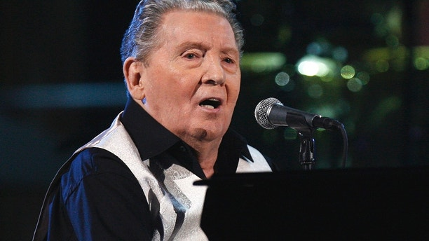 Musician Jerry Lee Lewis performs during the second of two 25th Anniversary Rock & Roll Hall of Fame concerts in New York October 30, 2009.