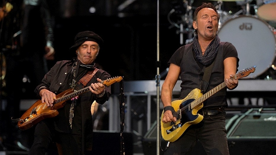 Police find 4 guitars stolen from E Street Band's Nils Lofgren