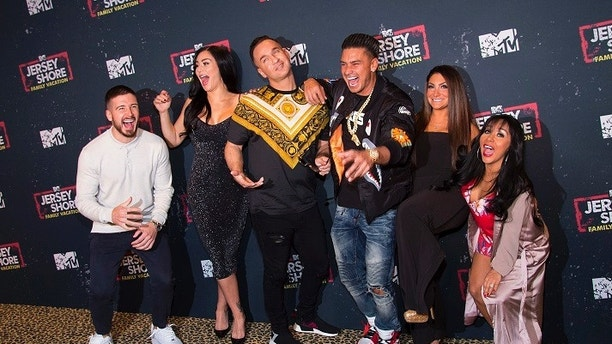 """Cast members Vinny Guadagnino, from left, Jenni 'JWOWW' Farley, Mike """"The Situation"""" Sorrentino, Paul """"Pauly D"""" DelVecchio, Deena Nicole Cortese, and Nicole """"Snooki"""" Polizzi attend the premiere of MTV's """"Jersey Shore Family Vacation"""" at PH-D Lounge at Dream Downtown on Wednesday, April 4, 2018, in New York. (Photo by Scott Roth/Invision/AP)"""
