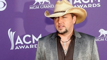 Singer Jason Aldean arrives at the 47th annual Academy of Country Music Awards in Las Vegas, Nevada April 1, 2012.  REUTERS/Richard Brian   (UNITED STATES - Tags: ENTERTAINMENT) (ACM-ARRIVALS) - GM1E8420JAD01