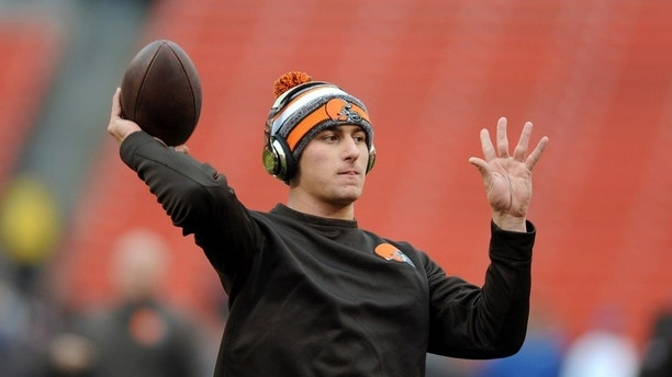 Dec 14, 2014; Cleveland, OH, USA; Cleveland Browns quarterback Johnny Manziel (2) warms up before the game between the Cleveland Browns and the Cincinnati Bengals at FirstEnergy Stadium. Mandatory Credit: Ken Blaze-USA TODAY Sports - 8270561