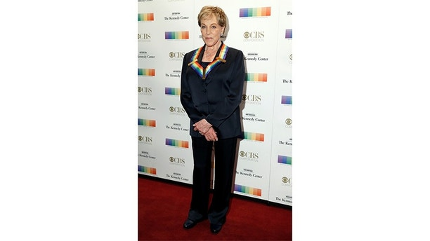 Singer and actor Julie Andrews arrives for the Kennedy Center Honors in Washington, U.S., December 3, 2017.   REUTERS/Joshua Roberts - RC1602124300