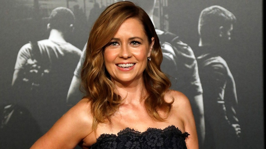Protesters interrupted 'Splitting Up Together' star Jenna Fischer at an event at DePauw University.