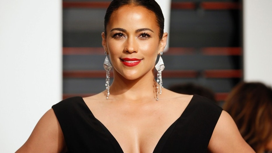 Actress Paula Patton arrives at the 2015 Vanity Fair Oscar Party in Beverly Hills, California February 22, 2015.
