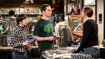 """The Comet Polarization"" - Pictured: Howard Wolowitz (Simon Helberg) and Sheldon Cooper (Jim Parsons). Sheldon\'s comic book store experience changes when writer Neil Gaiman puts Stuart\'s store on the map.  Also, Koothrappali takes credit for Penny\'s astronomical discovery and friendships are threatened, on THE BIG BANG THEORY, Thursday, April 19 (8:00-8:31 PM, ET/PT), on the CBS Television Network. Photo: Michael Yarish/Warner Bros. Entertainment Inc. © 2018 WBEI. All rights reserved."