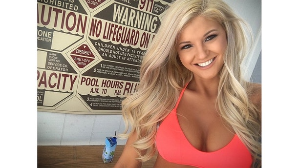 Swimsuit girls hooters pageant