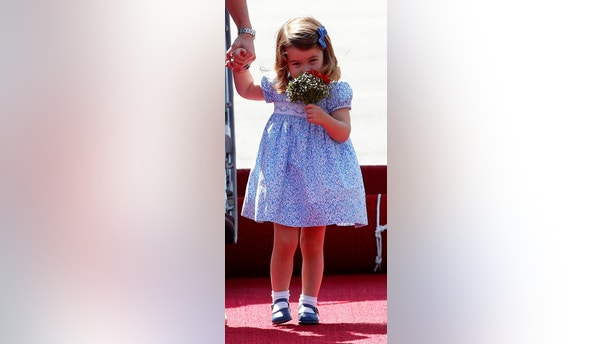 Princess Charlotte arrives at Tegel airport in Berlin, Germany, July 19, 2017. REUTERS/Fabrizio Bensch - RC174396FE40