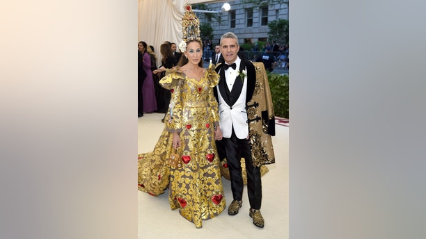 Sarah Jessica Parker, left and Andy Cohen attend The Metropolitan Museum of Art's Costume Institute benefit gala celebrating the opening of the Heavenly Bodies: Fashion and the Catholic Imagination exhibition on Monday, May 7, 2018, in New York. (Photo by Evan Agostini/Invision/AP)