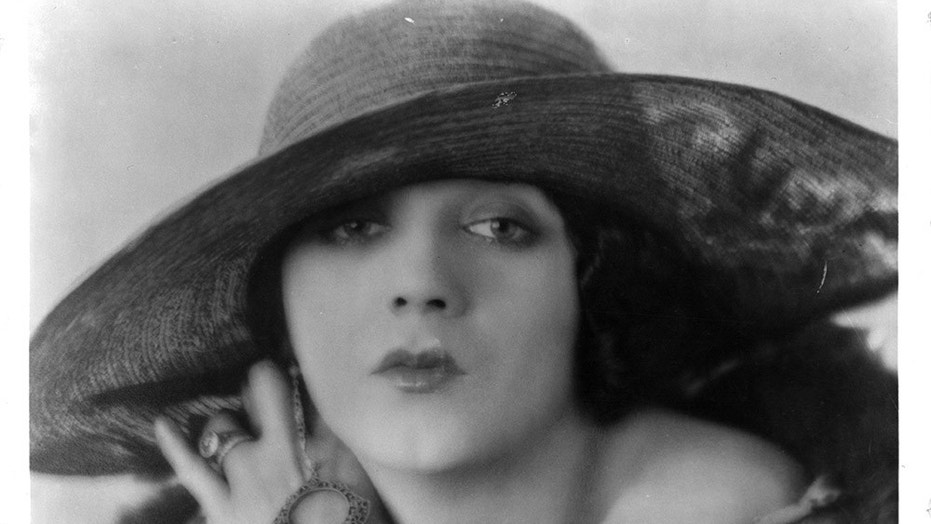 Barbara La Marr in 1922.