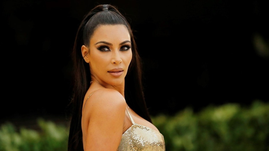 Kim Kardashian Shares Adorable Bathtub Pic Of North & Saint West