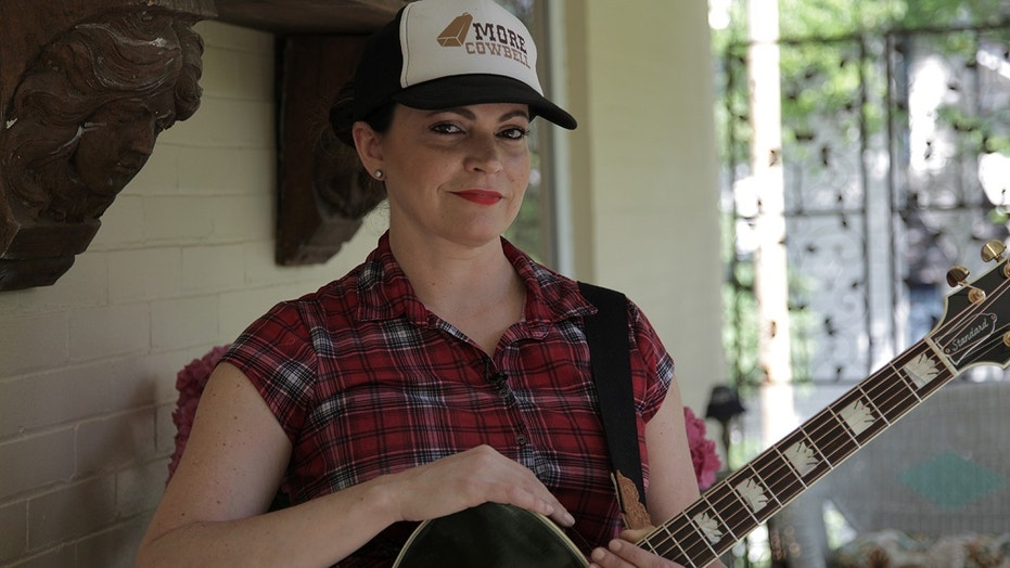 """Angaleena Presley talks about her struggles with country radio on the """"Children of Song"""" podcast."""