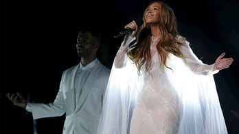 """Beyonce performs """"Take My Hand"""" at the 57th annual Grammy Awards in Los Angeles, California on February 8, 2015.   REUTERS/Lucy Nicholson/File Photo - GF10000393556"""