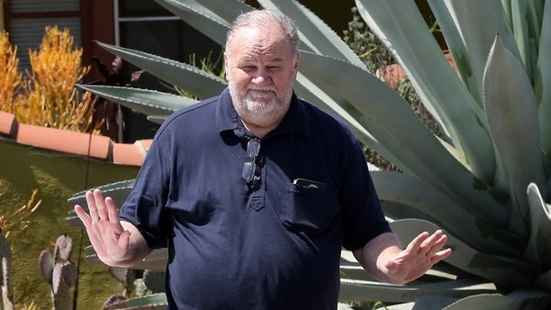Meghan Markle's father Thomas Markle drops off flowers at Meghan's mother Doria Ragland home days before the wedding. 10 May 2018 Pictured: Thomas Markle. Photo credit: Rachpoot/MEGA TheMegaAgency.com +1 888 505 6342 (Mega Agency TagID: MEGA217895_009.jpg) [Photo via Mega Agency]