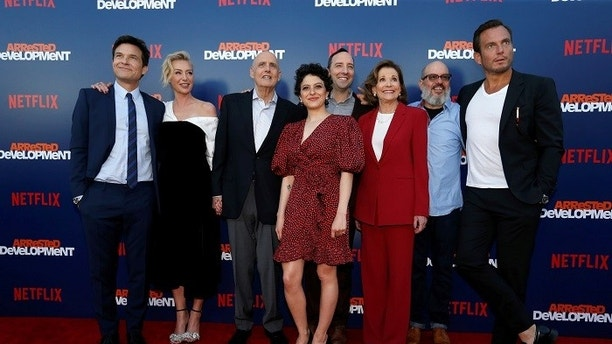 "Cast members (L-R) Jason Bateman, Portia de Rossi, Jeffrey Tambor, Alia Shawkat, Tony Hale, Jessica Walter, David Cross and Will Arnett pose at a premiere for the season 5 of the television series ""Arrested Development"" in Los Angeles, California, U.S., May 17, 2018. REUTERS/Mario Anzuoni - RC172371B0B0"