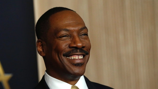 Actor Eddie Murphy arrives at the Hollywood Film Awards in Beverly Hills, California, U.S., November 6, 2016.  REUTERS/Mario Anzuoni - HT1ECB703N852