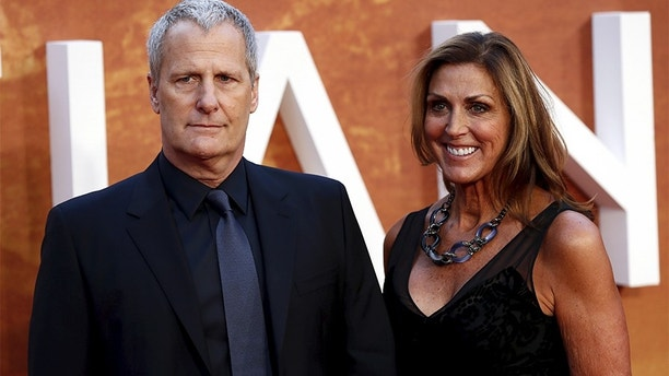 "Actor Jeff Daniels and his wife Kathleen arrive for the UK premiere of ""The Martian"" at Leicester Square in London, Britain, September 24, 2015. REUTERS/Stefan Wermuth - GF10000219537"