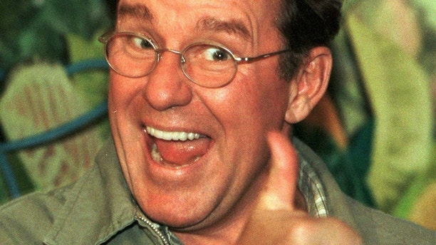 Former  Remembering Phil Hartman 20 years after TV legend's murder-suicide Remembering Phil Hartman 20 years after TV legend's murder-suicide 1527598784592