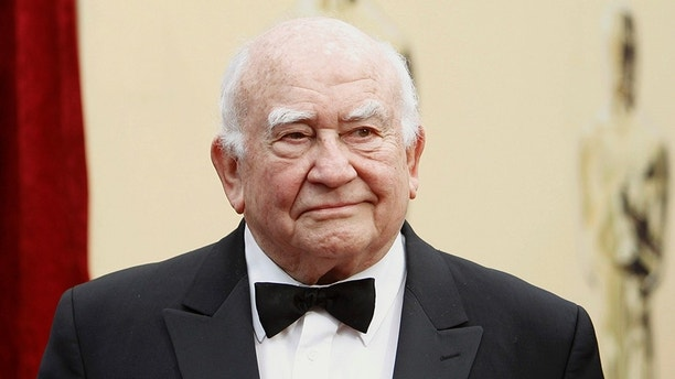 Actor Ed Asner arrives at the 82nd Academy Awards in Hollywood, March 7, 2010.     REUTERS/Mario Anzuoni   (UNITED STATES)  (OSCARS-ARRIVALS - Tags: ENTERTAINMENT) - GM1E6380IY601