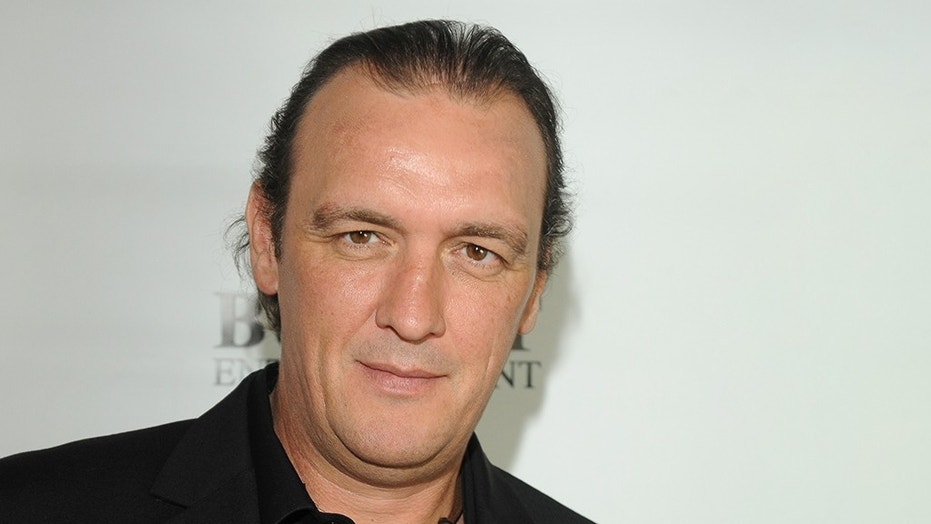 Tributes pour in after 'Sons of Anarchy' actor dies