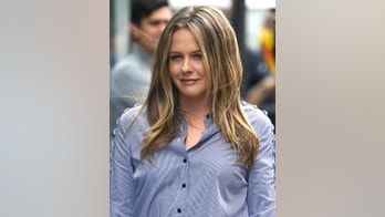 Alicia Silverstone at Build Series in New York.Pictured: Alicia SilverstoneRef: SPL5001559 050618 NON-EXCLUSIVEPicture by: SplashNews.comSplash News and PicturesLos Angeles: 310-821-2666New York: 212-619-2666London: 0207 644 7656Milan: +39 02 4399 8577photodesk@splashnews.comWorld Rights